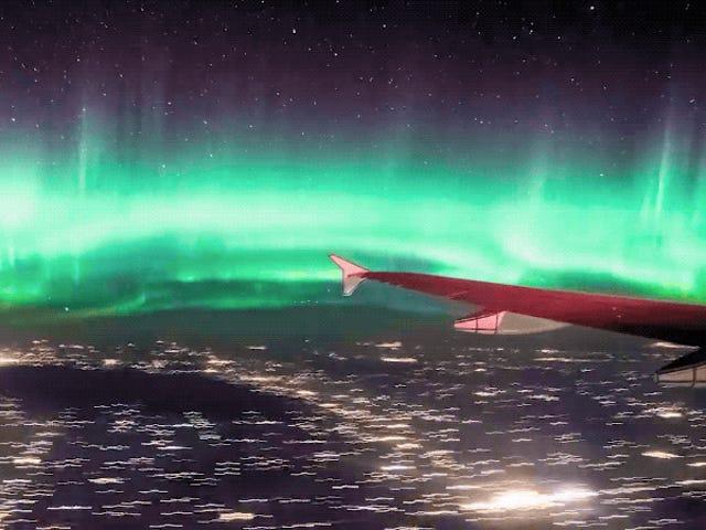 Desiree de este vídeo, solo querrás ver la aurora boreal desde un avión