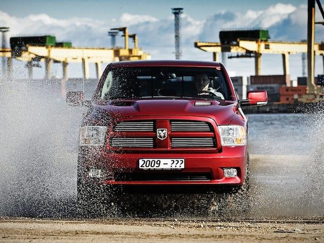 Ram将在新车出现后继续销售当前的卡车:报告