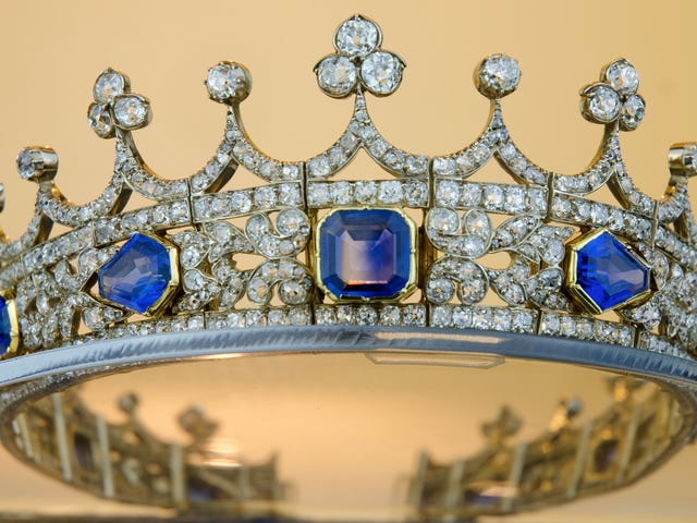 Good Luck Getting Queen Victoria's Jewelry Out of the United Kingdom!