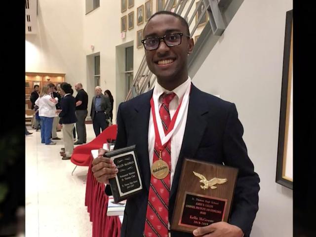 Sekolah Menengah Houston Umumkan Valedictorian yang Pernah Pernah Hitam: 'Anda Boleh Lakukan Apa-apa Yang Anda Tetapkan Pikiran Anda'