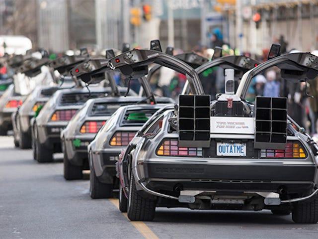 Denne bil parade af DeLoreans er den sejeste ting