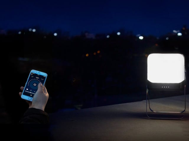 Spara $ 30 på BioLite Smart, Accessorizable BaseLantern Camping Light [Exklusiv]