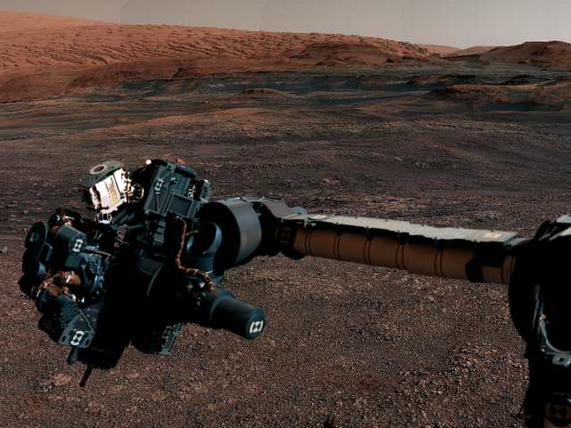 Curiosity Rover Says Goodbye to Its Home of a Year With Superb Panoramic