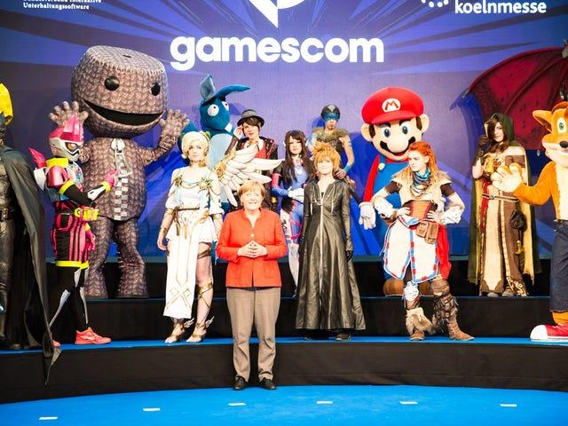 Während der Eröffnungsfeier der größten Gaming Convention GamesCom in Köln ...