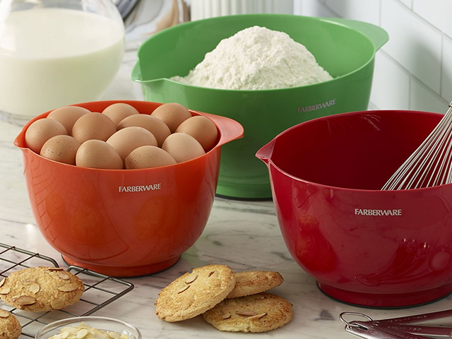 Pick Up This Set of Faberware Mixing Bowls For Just $12