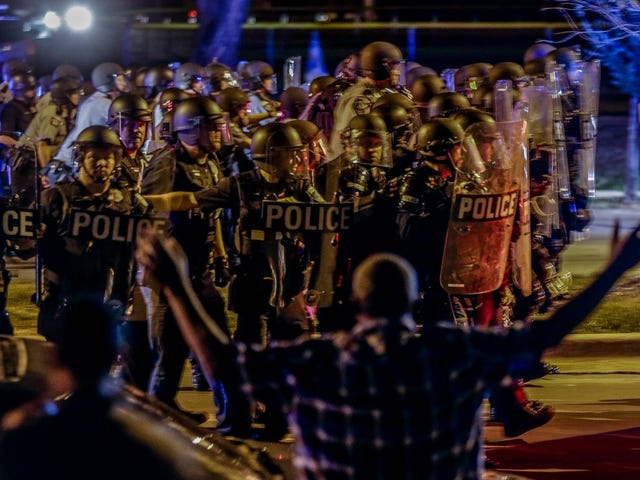 Milwaukee Police Deny Cutting Off Internet Access During Protests