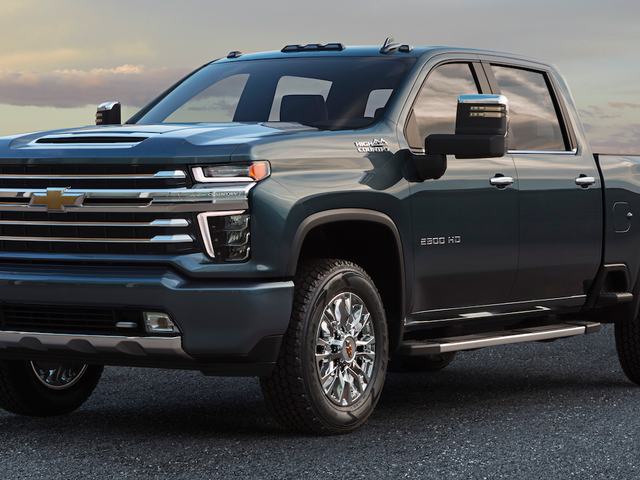 The 2020 Chevrolet Silverado HD High Country Fixes the Face (Kind Of)