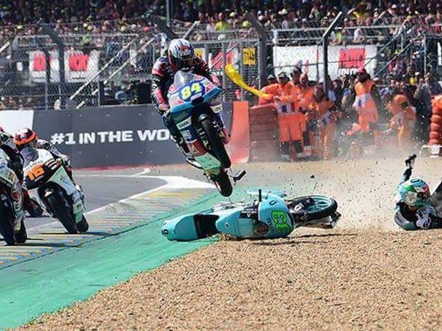 MotoGP + Supercross + Road Rash es mi nuevo deporte favorito
