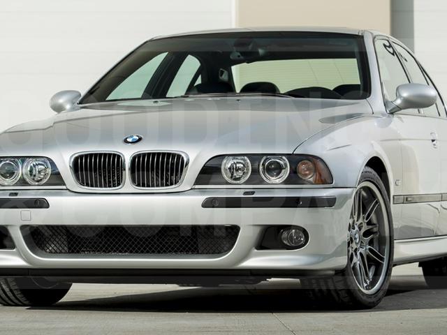 Este BMW M5 de 437 millas 2002 se vendió por $ 176,000 en una subasta