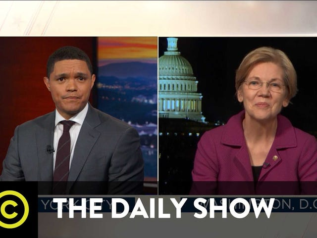Elizabeth Warren habla en The Daily Show sobre la carta de King
