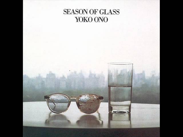 Yoko Ono ci ricorda la sua John Lennon Elegy <i>Season of Glass,</i> Advocates for Gun Control