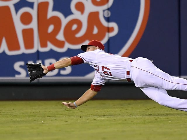Just Give Mike Trout A Gold Glove Already
