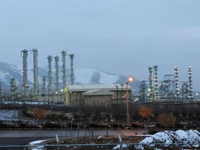 อิหร่านบอกว่าจะเริ่มเพิ่มปริมาณยูเรเนียมให้พ้นขีด จำกัด ของข้อตกลงนิวเคลียร์