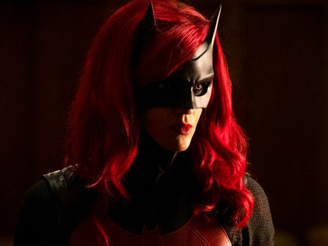 """In """"I'll Be Judge, I'll Be Jury,"""" Kate Kane rescues Batwoman from its villain problem"""