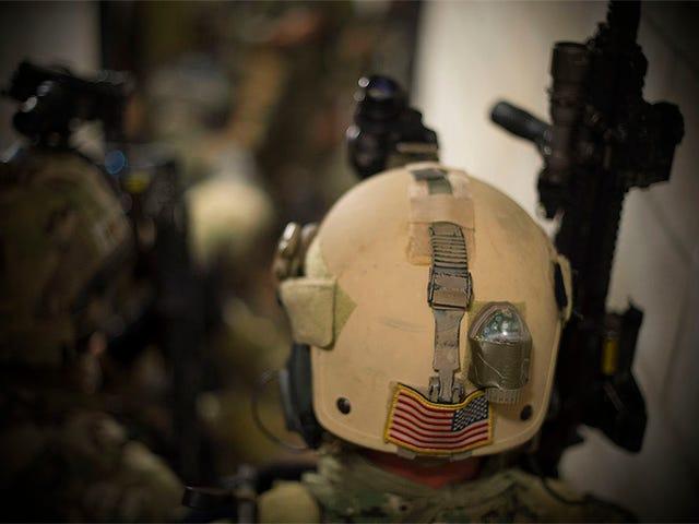 Tunggu, Obama Just Now Menghantar Pasukan Pemburu Spec Pembunuh untuk Melawan ISIS?