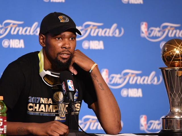"Kevin Durant Says He Will Not Visit White House: ""I Don't Respect Who's In Office Right Now"""