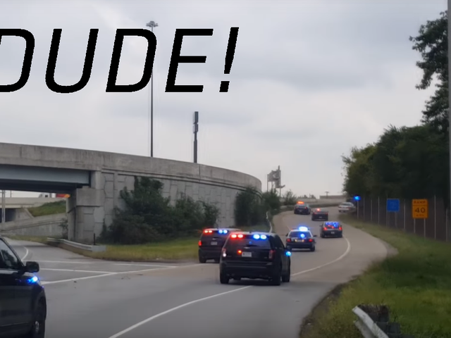 Xem hai người hoàn dốt Hoàn toàn Freak Out Trong một Chase xe