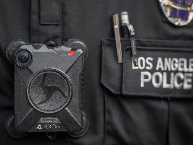 美国最大的警察身体凸轮制造商禁止面部识别监控 - 现在