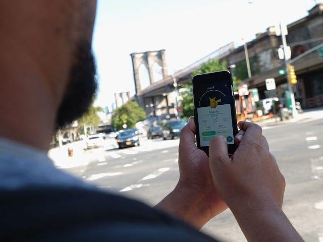 Studie schat dat <i>Pokémon GO</i> meer dan 100.000 verkeersongevallen heeft veroorzaakt