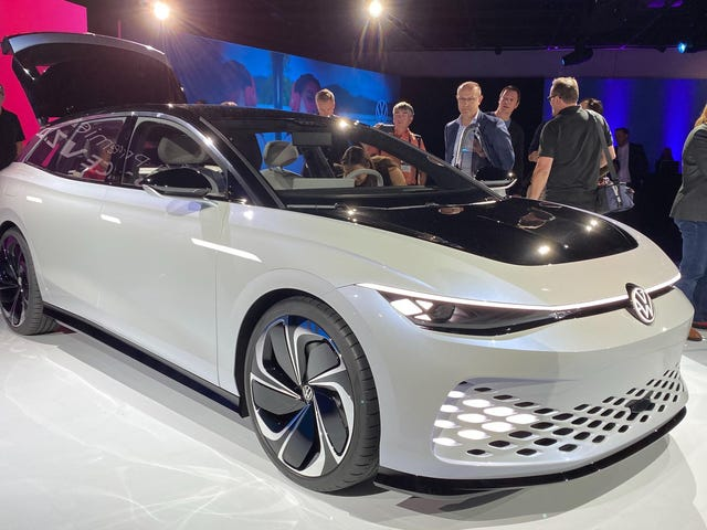 The Volkswagen ID. Space Vizzion Concept Has A 275-HP, Rear-Mounted Motor