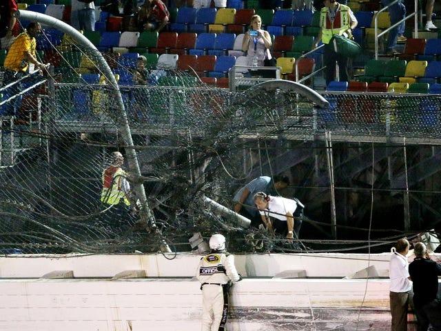 Autoridades buscam maneiras de tornar a corrida mais segura depois do enorme acidente com NASCAR