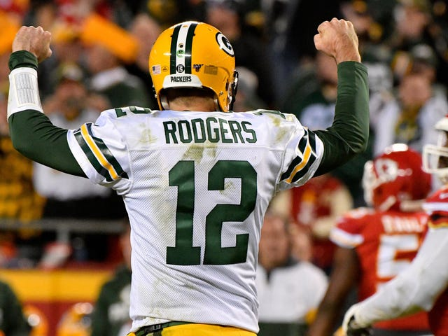 Even When Aaron Rodgers Slips Up, He's Spectacular