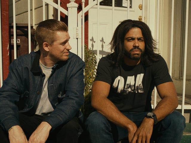 Daveed Diggs menggabungkan komedi, drama, dan potret Oakland dalam <i>Blindspotting</i> mengagumkan