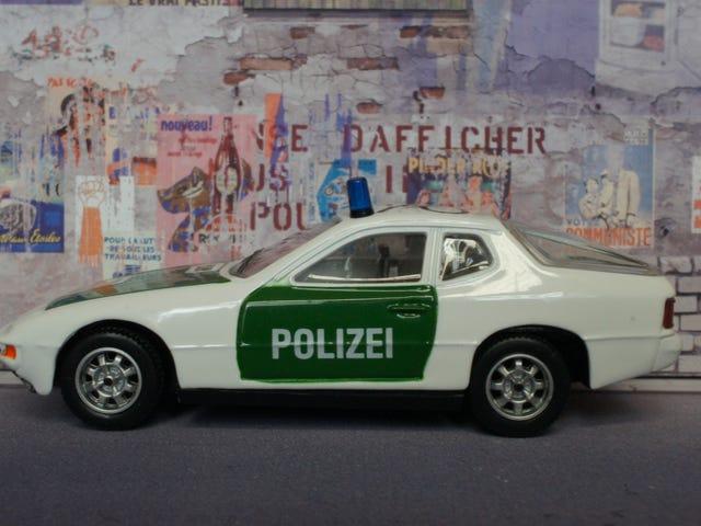 Teutonic Tuesday: Ein, zwei, Polizei!