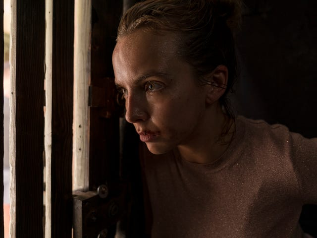 """<a href=https://news.avclub.com/get-obsessed-with-the-killing-eve-season-two-trailer-1832623320&xid=17259,15700019,15700186,15700191,15700256,15700259,15700261 data-id="""""""" onclick=""""window.ga('send', 'event', 'Permalink page click', 'Permalink page click - post header', 'standard');"""">Få besat af <i>Killing Eve</i> sæson to trailer</a>"""