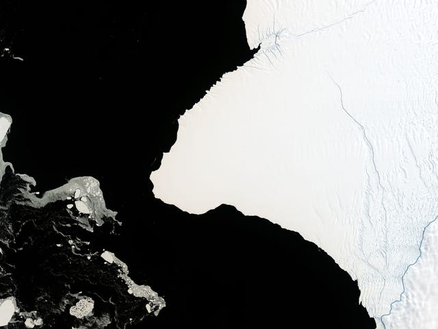 An Iceberg 30 Times the Size of Manhattan Is About to Break Off Antarctica