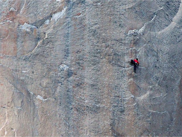 Escalada libre histórica al muro de El Capitán en el Parque de Yosemite (California)