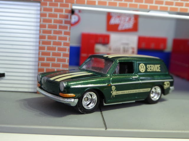 Hot Sixty 4th: Squareback Saturday with 50th Fav 5