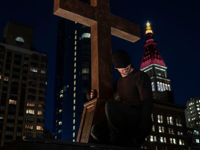 <i>Daredevil</i> Season 3의 Dreamy New <i></i>  티저는 또 다른 아이코닉 한 벌을 소개합니다