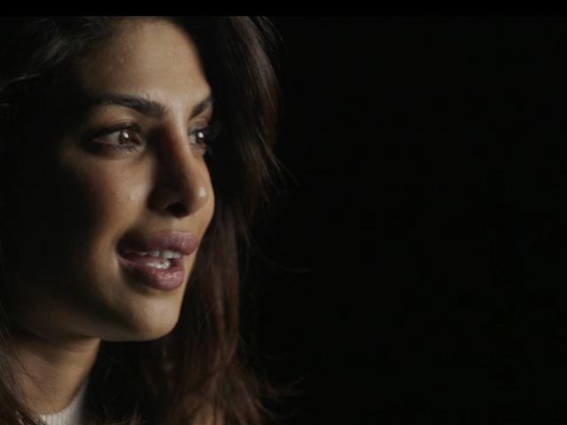 Priyanka Chopra minder om en producent, der fortæller hendes piger er udskiftelige