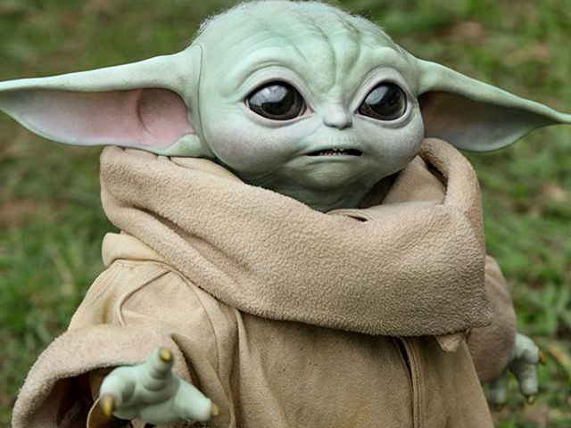 Hot Toys' Life-Sized Baby Yoda Is Here, and He Is Glorious