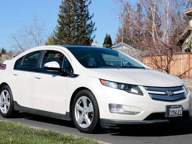 At $6,200, Would You Plug Into This 2012 Chevy Volt Premium?