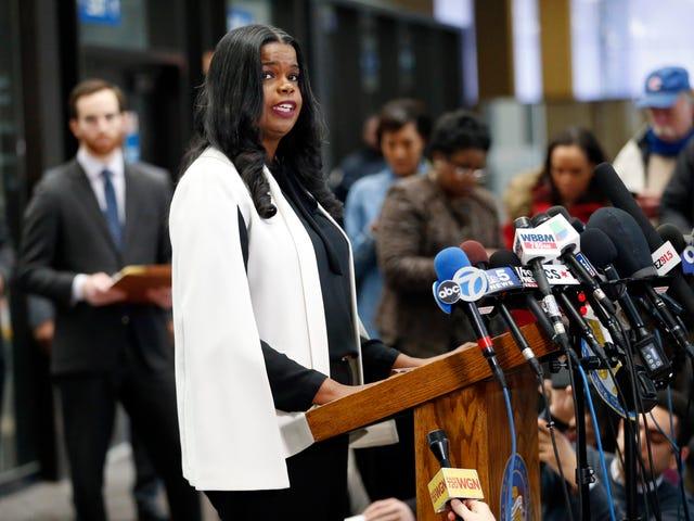 Prosecutor Kim Foxx to Expunge Marijuana Convictions in Chicago