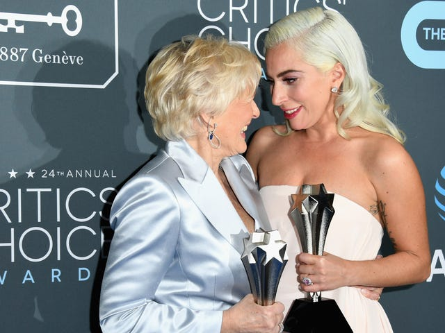 Actors Forced to Pretend to Be Happy Over Ties at the 2019 Critics' Choice Awards