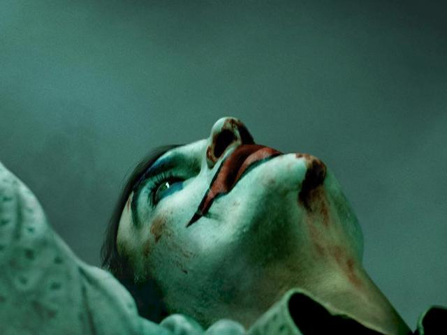 Acabamos de ver nosso primeiro olhar sobre as filmagens de Joaquin Phoenix no Coringa de DC