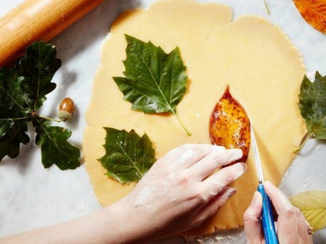 Créez des biscuits automnaux adorables avec de vraies feuilles comme modèles