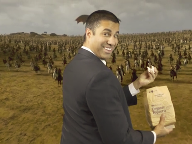 FCC的Ajit Pai现在用他愚蠢的新视频公开嘲讽网络中立抗议者