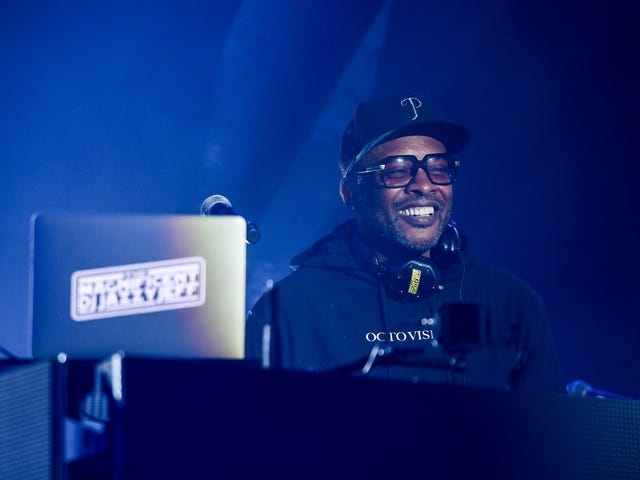 DJ Jazzy Jeff Discloses He's Battling Pneumonia, Believes It Could Be COVID-19