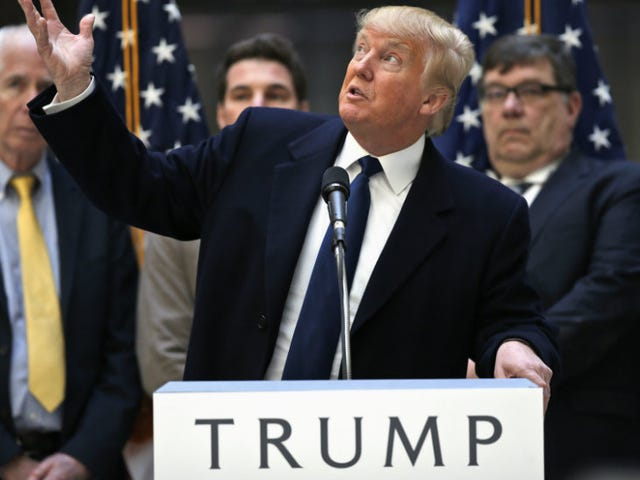 Donald Trump Hit On aWashington Post Editor After His Foreign Policy Interview