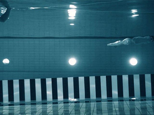 Video Shows Hvordan en Bullet Fired Underwater skyter ikke så langt