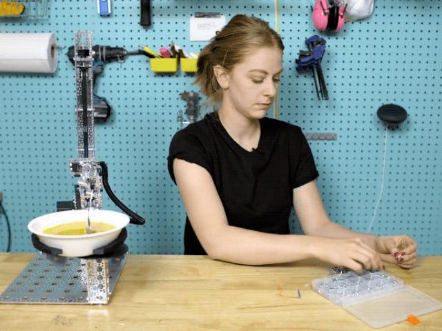 Simone Giertz, som er en professionel robot, har en mobilitet uden hjemmebiograf