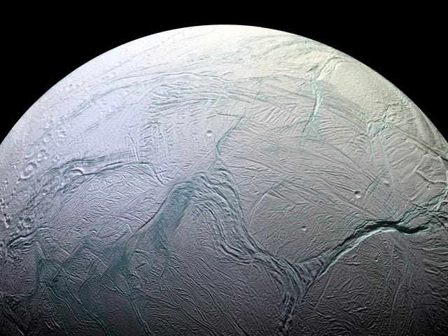 Saturn's Moon Enceladus Has the Basic Ingredients For Life