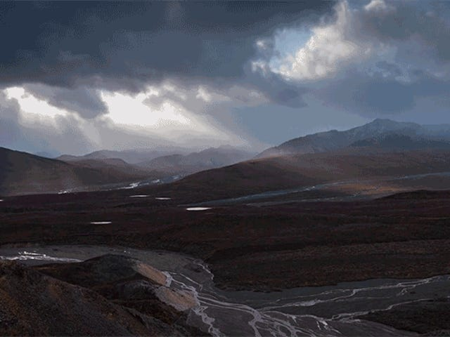 This Timelapse Footage of Denali Is a Mountain of Spectacular Nature Video Tropes