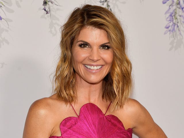 This $500 Billion Lawsuit Against Lori Loughlin and Felicity Huffman Is Inspiring