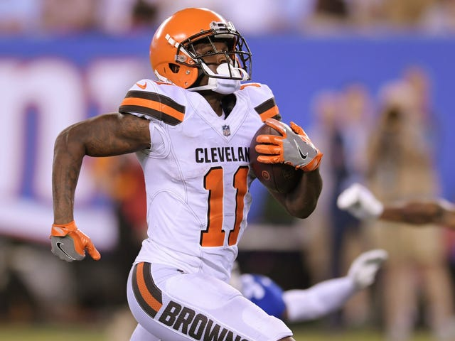 The Browns Punished Antonio Callaway By Making Him Play Preseason Football