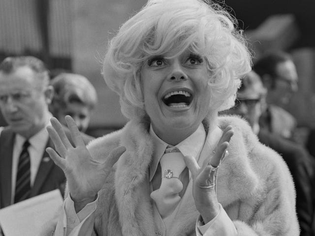 Carol Channing, Broadway Legend und Star of Hello, Dolly!  Ist tot bei 97